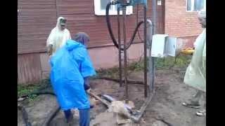 Бурение скважины малогабаритной установкой в Рязанской области(Показан процесс бурения реальной скважины в Рязанской области., 2014-10-02T06:20:40.000Z)