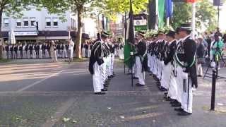 Fahnenmarsch beim Schützenfest 2013 in Geseke