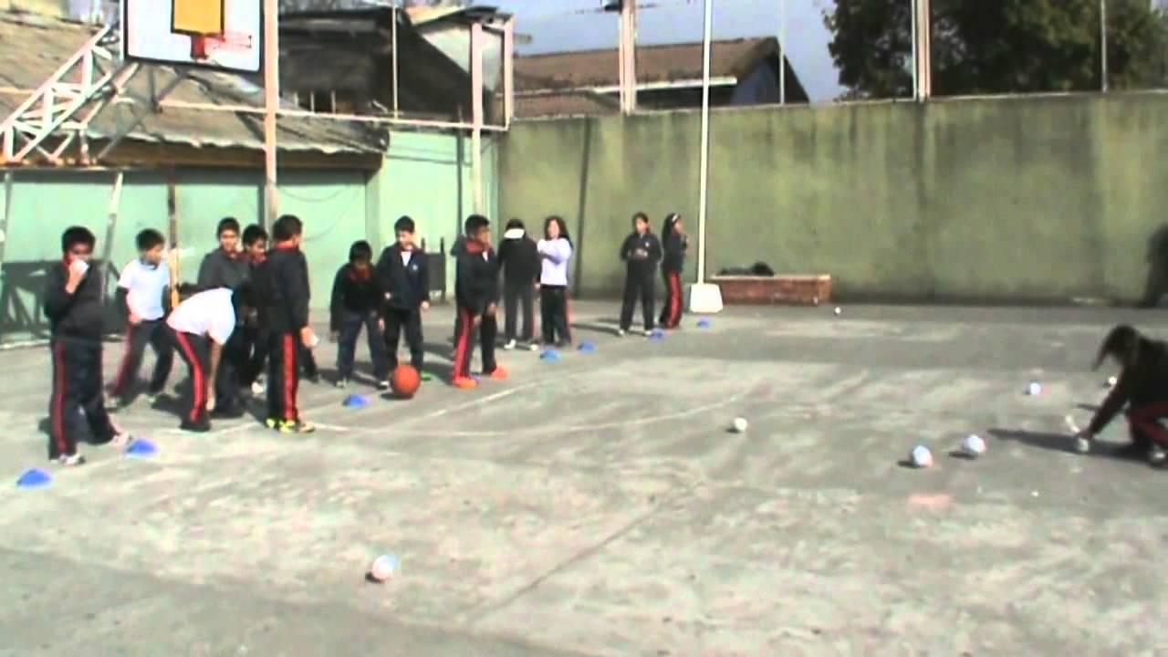 Juegos Educacion Fisica La Caza Del Balon Youtube