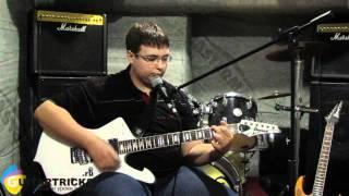 Игра на гитаре по аккордам с Боем. Видео Урок. Цой