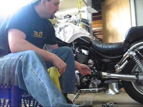 Suzuki Intruder Clutch Fluid Change Instructional Video