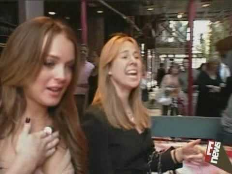 Lindsay Lohan Crying In Front Of The Cameras(Also Meryl Streep)