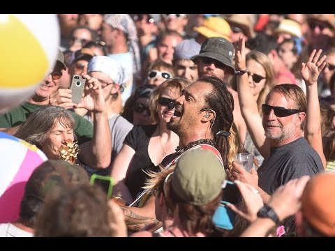 "Michael Franti & Spearhead - ""Sound of Sunshine"" - Mountain Jam 2015"