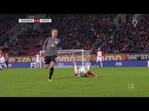 DANIEL BAIER GESTE - FC Augsburg - RB Leipzig - SCHWALBE / SPUCKEN/SPRITZER (19.9.17) Hasenhüttl