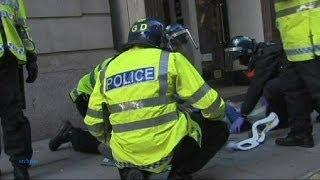 Fizet a londoni rendőrség a túlkapásban meghalt férfi családjának