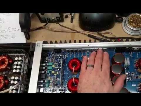 AMP SHOWDOWN! - Hifonics BRZ-2400.1D VS Soundqubed Q1-2200D