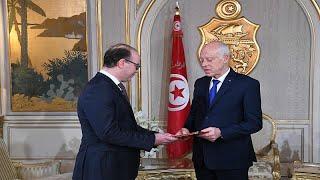 رئيس الحكومة التونسي المكلّف الياس الفخفاخ يقدم تشكيلة وزارية معدلة…