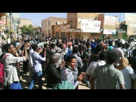احتجاجات السودان: البشير في مواجهة جيل جديد من المتظاهرين  - نشر قبل 22 ساعة