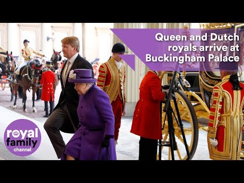 Queen and Dutch royals arrive in carriage at Buckingham Pala