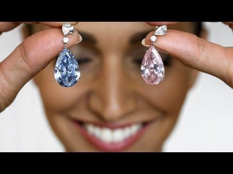 Серьги с розовым и голубым бриллиантами продали за рекордную цену в $57 млн (новости)
