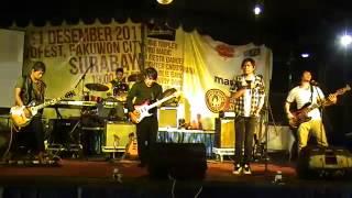 Nama Band   Benci tapi Rindu  Live