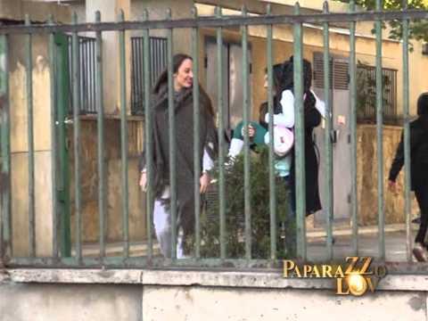 Paparazzo lov - Anabela nosi povredjenu cerku - (Tv Pink)