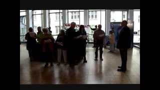 DSCF2765 Senioren gegen S21 fordern Herrn Kuhn zur Klarheit im Rathaus
