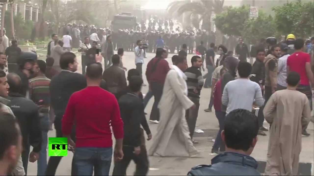 Египтяне громят офисы «Братьев-мусульман»