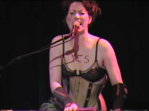 AMANDA PALMER & NERVOUS CABARET: Runs in the Family (Live)