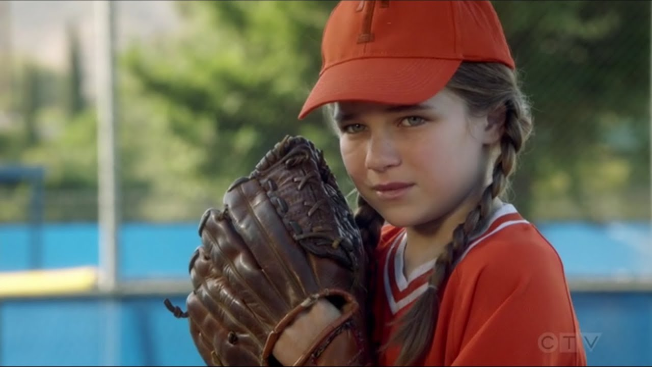 Young Sheldon S03 E13  Missy Against The Best Hitter Playing Baseball Again
