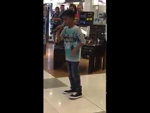 """Kid sing """"Listen"""" in SM"""