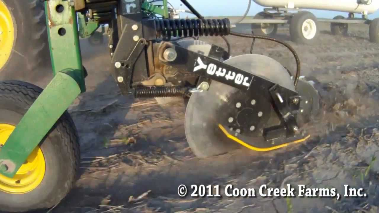 Side Dressing Corn With Custom Yetter Magnum Toolbar Youtube