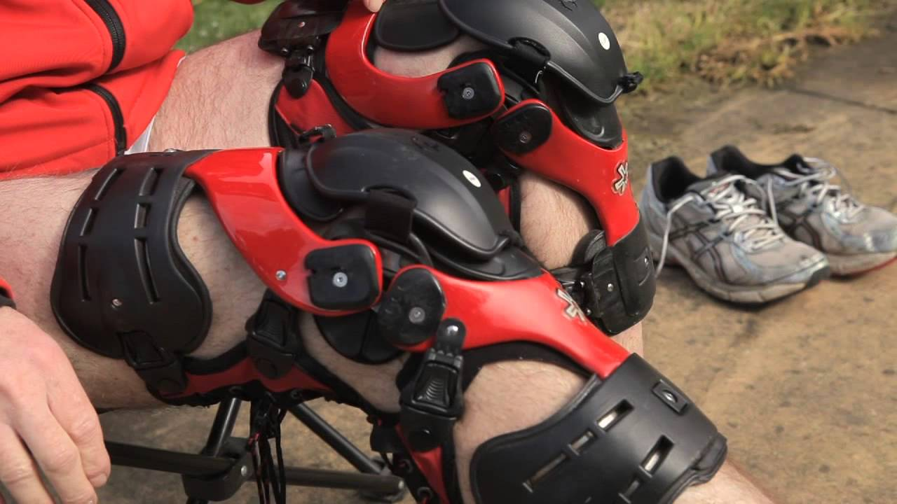 Motorcycle Riding Boots >> DSE Spokes - Ride For Tomorrow - Boots, Knee Guards and Knee Braces - YouTube