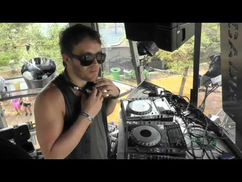 Lee Foss b2b Skream - Ultra Music Festival 2016