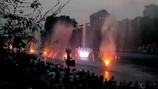 Скачать Шоу Танцующие фонтаны Хабаровск пруды