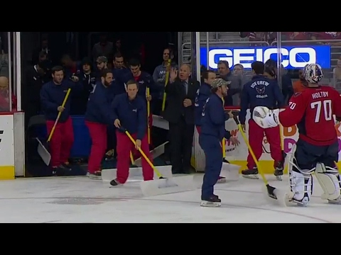 Holtby trying to direct cleaning crew in OT