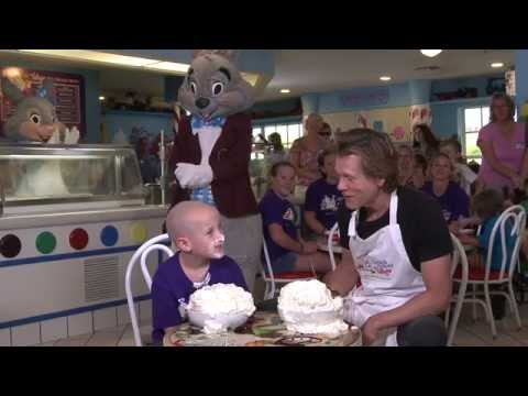 Kevin Bacon Battles Ethan in the Ice Cream Challenge (#GKTWChallenge)