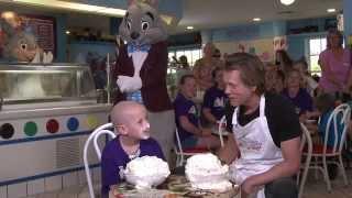 Kevin Bacon Battles Ethan in the Ice Cream Challenge (#GKTWChallenge)