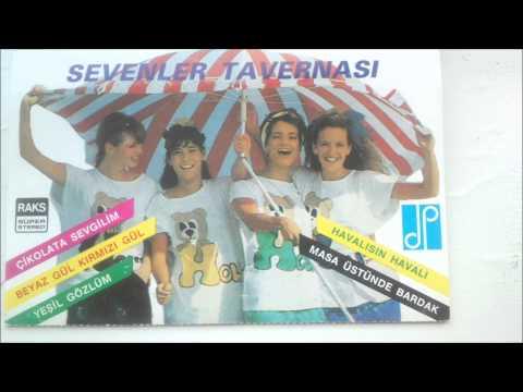 Masa üstünde bardak   Sevenler Tavernası 89