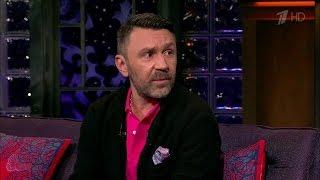 Вечерний Ургант. Сергей Шнуров в гостях у Ивана Урганта (25.12.2015)