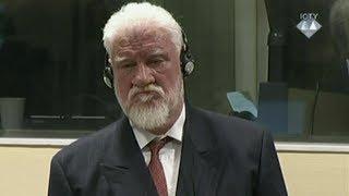 UN-Kriegsverbrechertribunal: Angeklagter schluckt Gift im Gericht