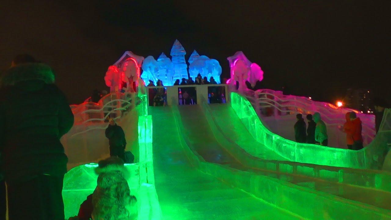 Катаемся с горки - Развлечения для детей - Ледяной городок Пермь