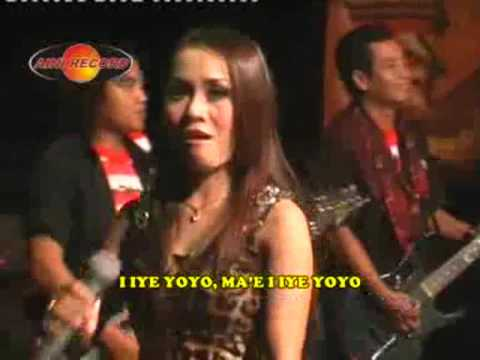 Iiye Yoyo - Eny Sagita (Official Music Video)