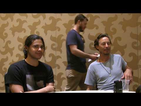 Carlos Valdes & Tom Cavanagh  The Flash  at ComicCon