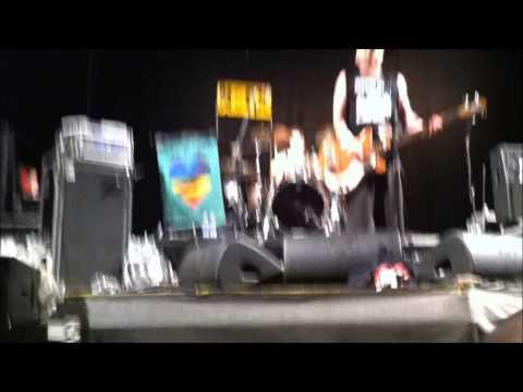 NOFX - New Happy Birthday Song? (live @ Sherwood Festival, Padova - June 16, 2013)
