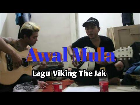 Pengamen kreatif bikin lagu buat Viking The Jak.