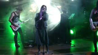 Линда ответила Максиму Фадееву на концерте