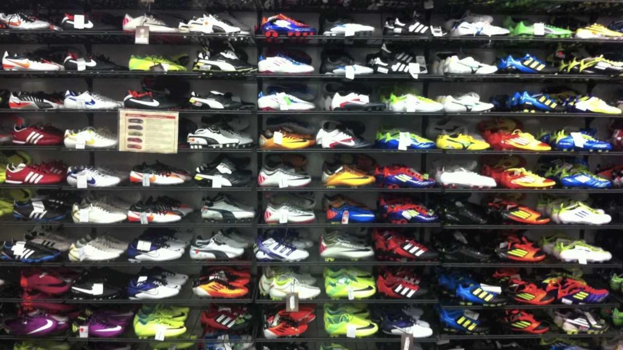 Intersport Breitmeyer Stuttgart Soccer-Store - YouTube