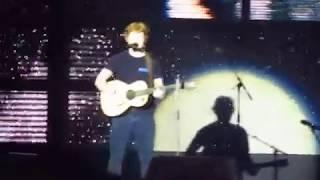 Video Ed Sheeran - Dive (Live In Belo Horizonte) download MP3, 3GP, MP4, WEBM, AVI, FLV Januari 2018