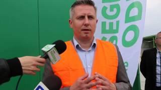 Ostro��ccy radni odwiedzili stacj� segregacji odpad�w