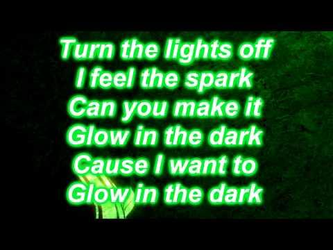 Carishma - Glow In The Dark LYRICS