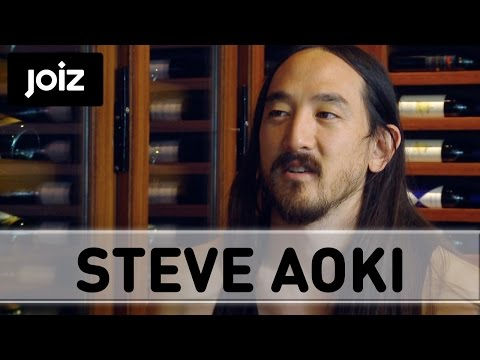"Aoki is impressed:  ""Tiësto can drink alcohol and be professional at the same time"" (3/4)"