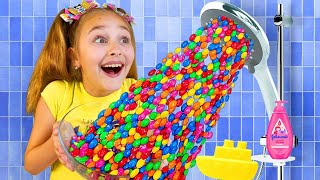 Sasha Pretend Play a Magical Shower with Sweets and Candies