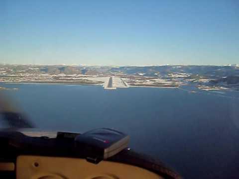 Landing på Værnes med LN HOF, Søndag 15 2 09