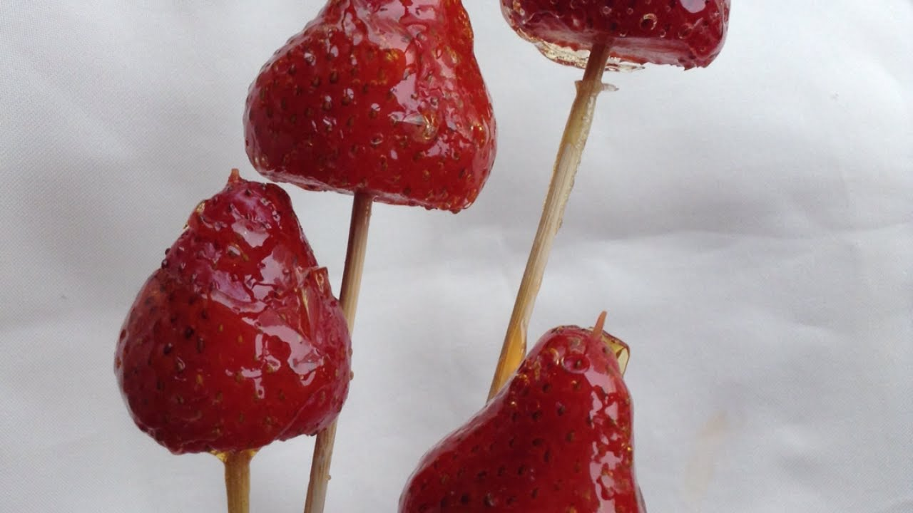 how to cook strawberries with sugar
