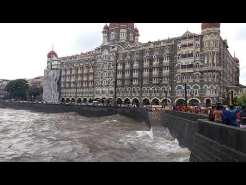Taj hotel/Gate Way Of IndiA