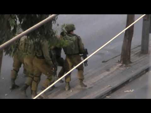 Israeli soldiers beat Palestinian teenager in Hebron