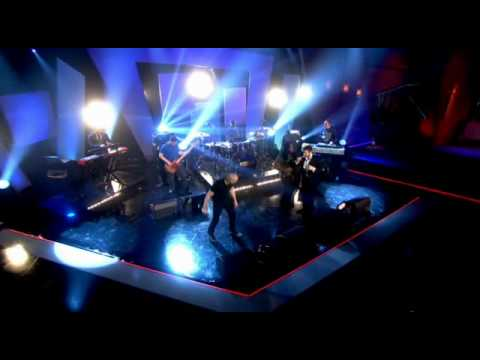 The Streets feat. Robert Harvey - Going through Hell (Live at Alan Carr 7.02.2011)