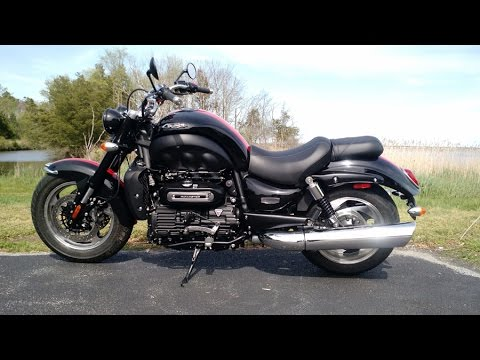Triumph Rocket III Roadster Part 2 - owner review of a FANTASTIC ...