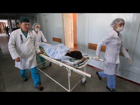 Задержаны медики в Казахстане. Пик заболеваемости ждут в Кыргызстане. Новые больницы в Таджикистане